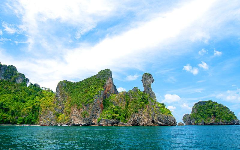เกาะไก่ ทะเลแหวก